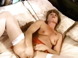 An Eighties Housewife Cunny Getting Off Session