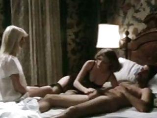 Lubricious Gals Give Dual Oral Pleasure In Ffm Threesome