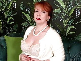 Sandy-haired Mummy Wanks In Retro Seamed Nylons And Designer...